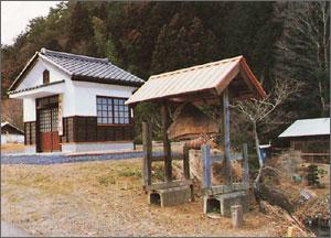 小瀬沢川の紙すき場跡