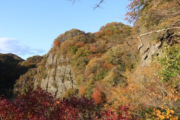 籠岩021111(1)