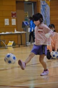 ブラインドサッカー体験(1)